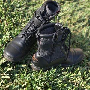 UGG ♥️Kesey waterproof boots Sz 7.5